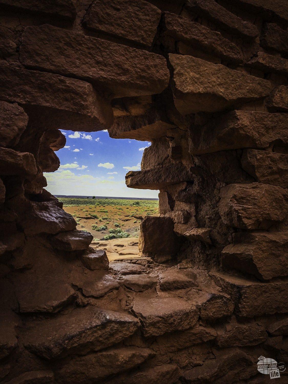 Looking through the gap of the Wukoke Pueblo.