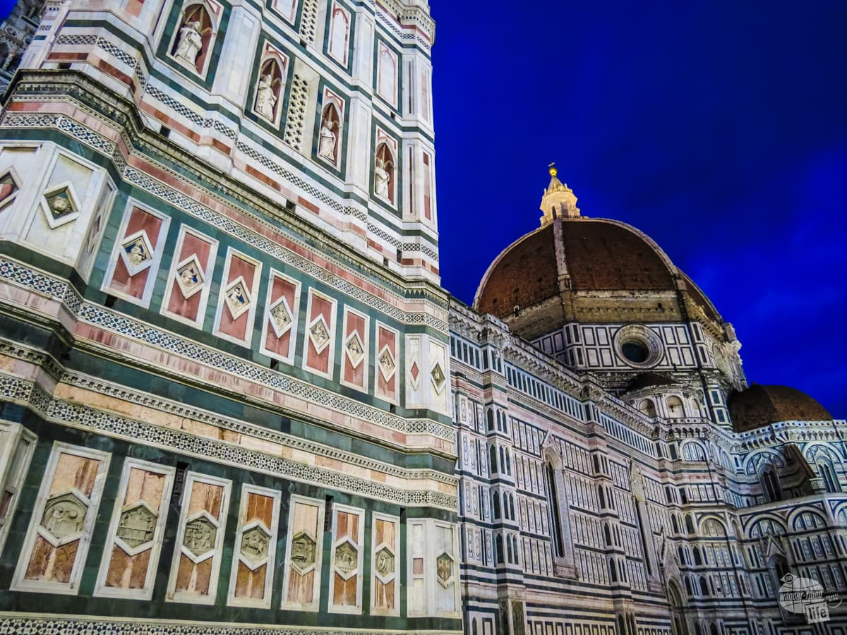 The Duomo in Florence is specatular at night.