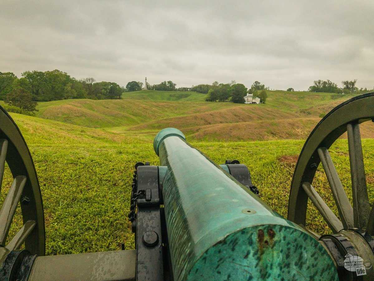 This gun indicates where Battery De Goyer overlooked the Great Redoubt at Vicksburg.