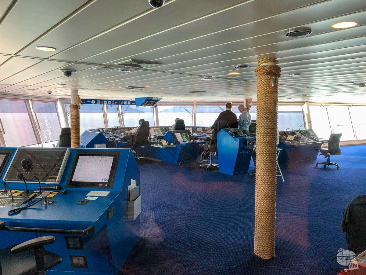 Bridge viewing on the Norwegian Pearl