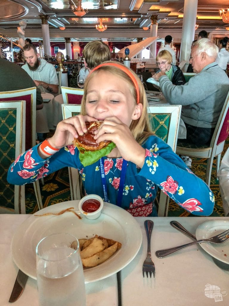 Dining on the Norwegian Pearl