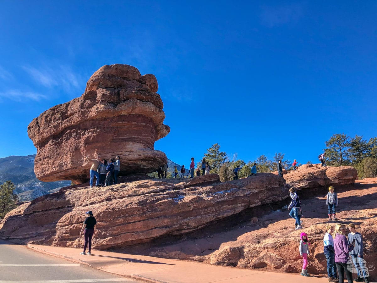 Crowds at Balanced Rock in Garden of the Gods