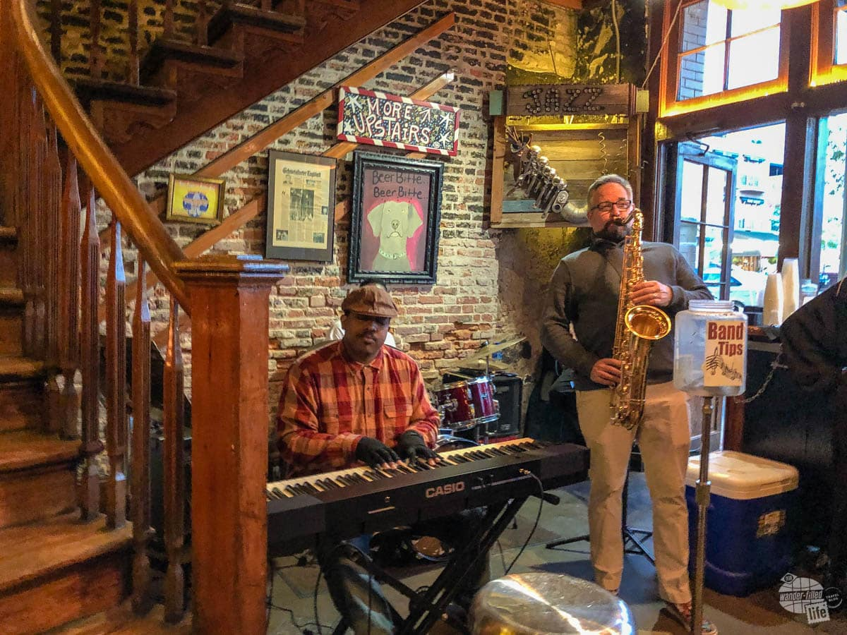 Live jazz at the Crescent City Brewhouse in New Orleans.