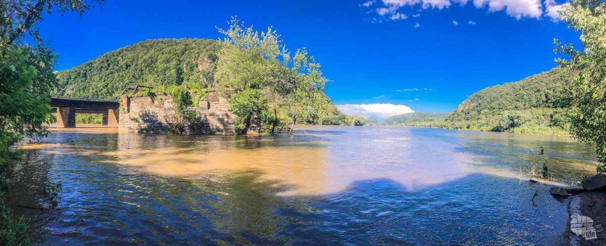 The confluence of the Potomac and Shenandoah rivers