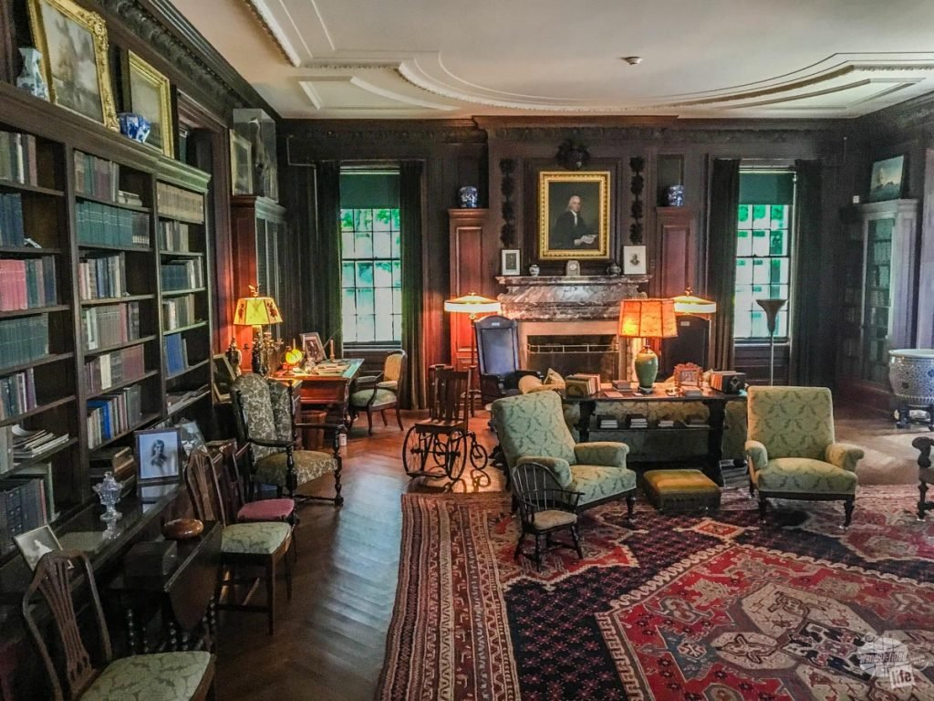 The library at FDR's home