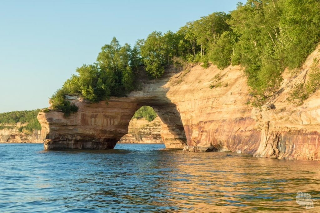 Sandstone arch at Pictured Rocks NL