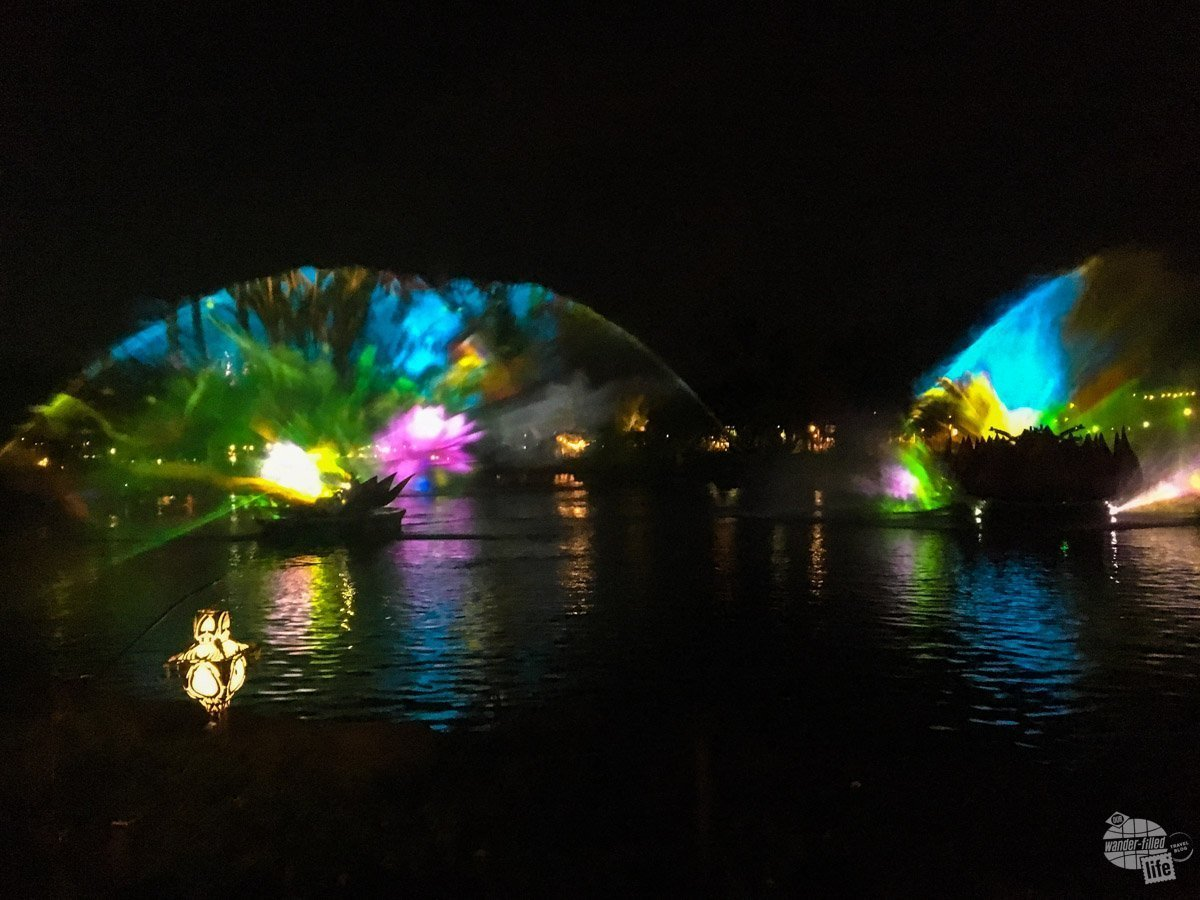 Rivers of Light is Animal Kingdom's brand new evening show and, boy, has Disney outdone itself. It was truly fantastic.