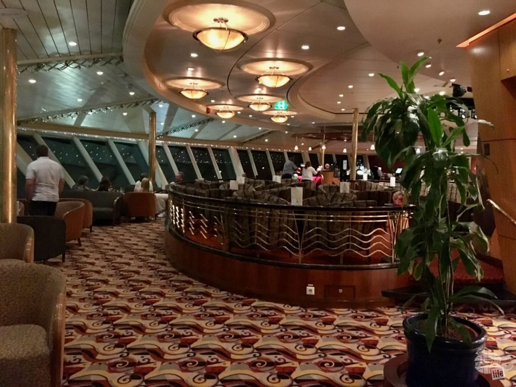 The Viking Crown Lounge is one of our favorite bars on the boat.
