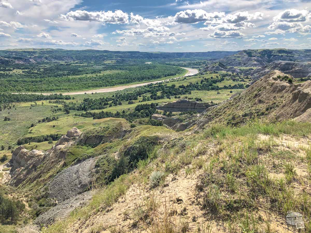 The Little Missouri River from the Caprock Coulee Trail.